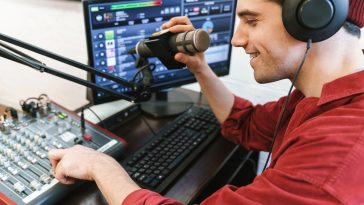 broadcastnews image of radio show presenter