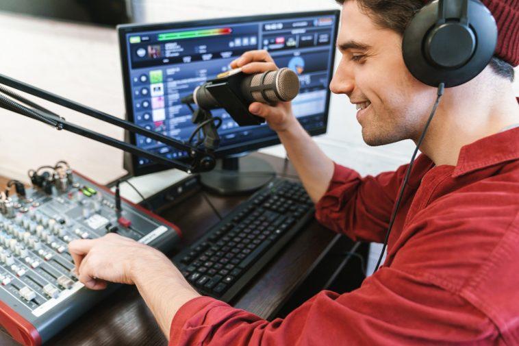 broadcastnews image of radio show presenter