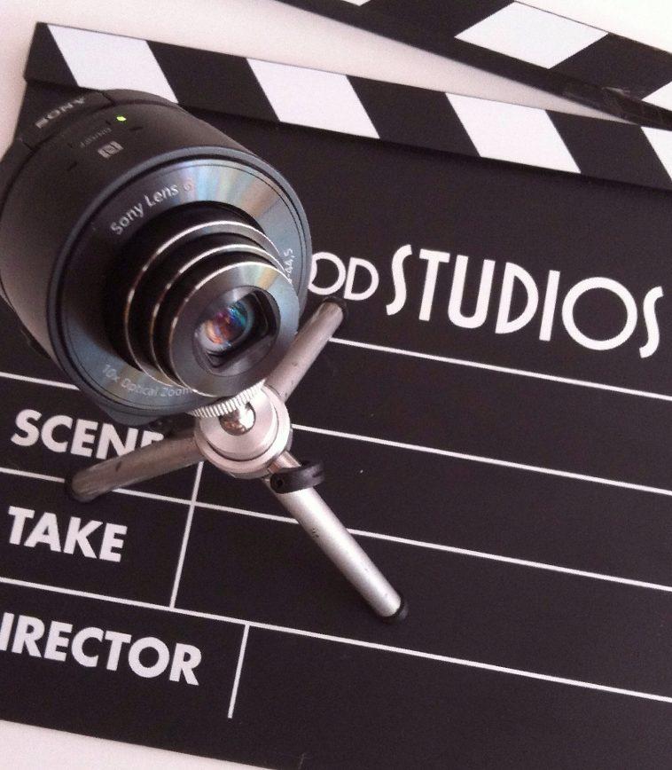 Broadcastnews lights camera action