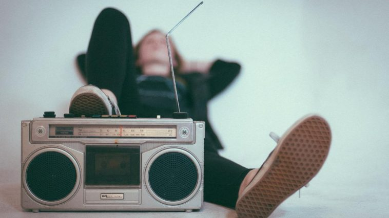 broadcastnews listening radio