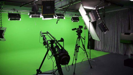 Broadcastnews green screen studio